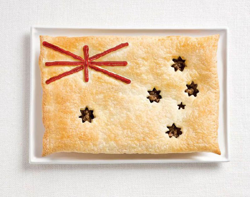 australia meat pie and sause
