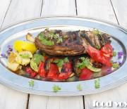 Запеченная баранья лопатка с овощами гриль
