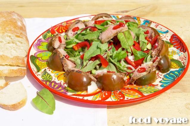 Теплый салат с корейкой ягненка