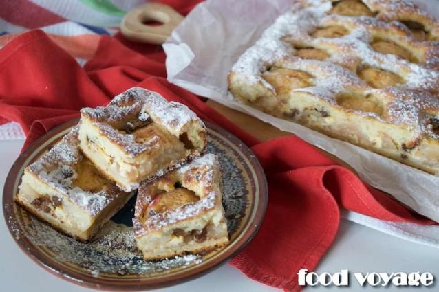 Яблочный Пирог из творожного теста с половинками яблок и пьяным изюмом